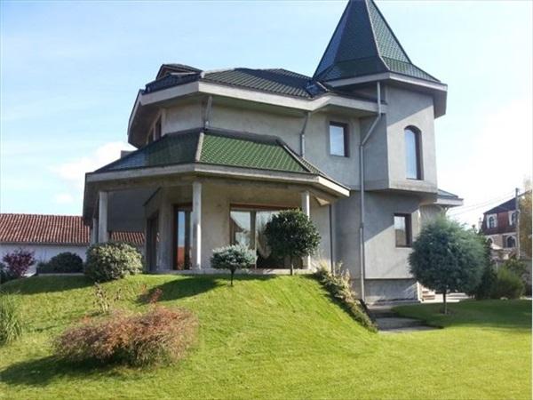 Kuća - 600m² - Zemun(retenzija) Hemingvejeva