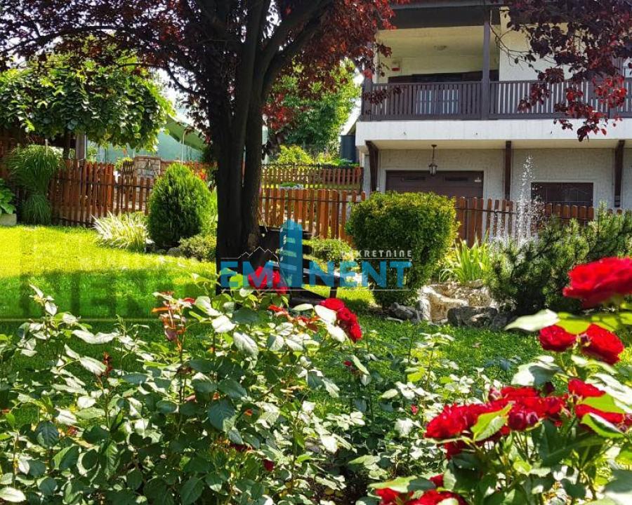 Kuća 465m² Rakovica