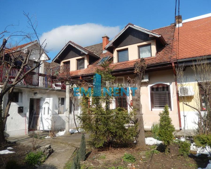 Kuća 108m² Zemun Centar