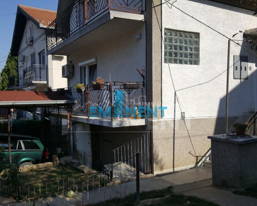 Kuća 250m² Čukarica Sremčica