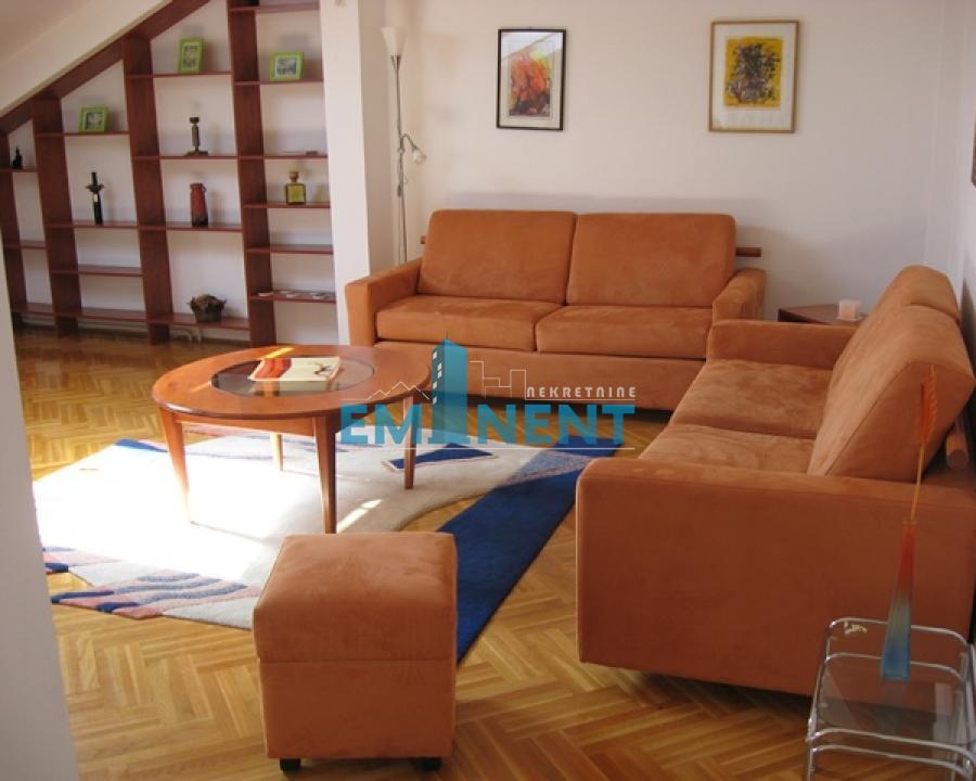 Stan 105m² Beli Dvor Bulevar Kneza Aleksandra Karađorđevića