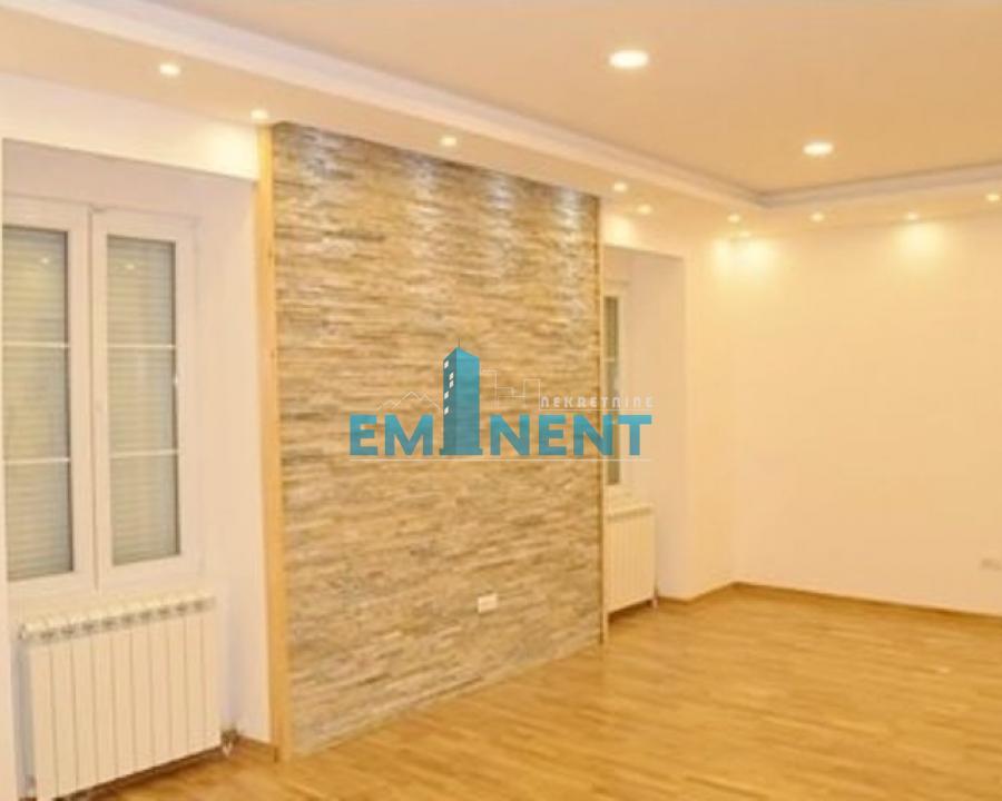 Poslovni prostor 65m² Beograđanka Resavska