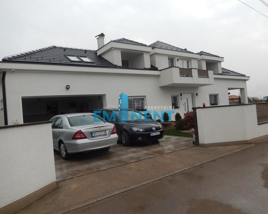 Kuća 358m² Surčin Ledine