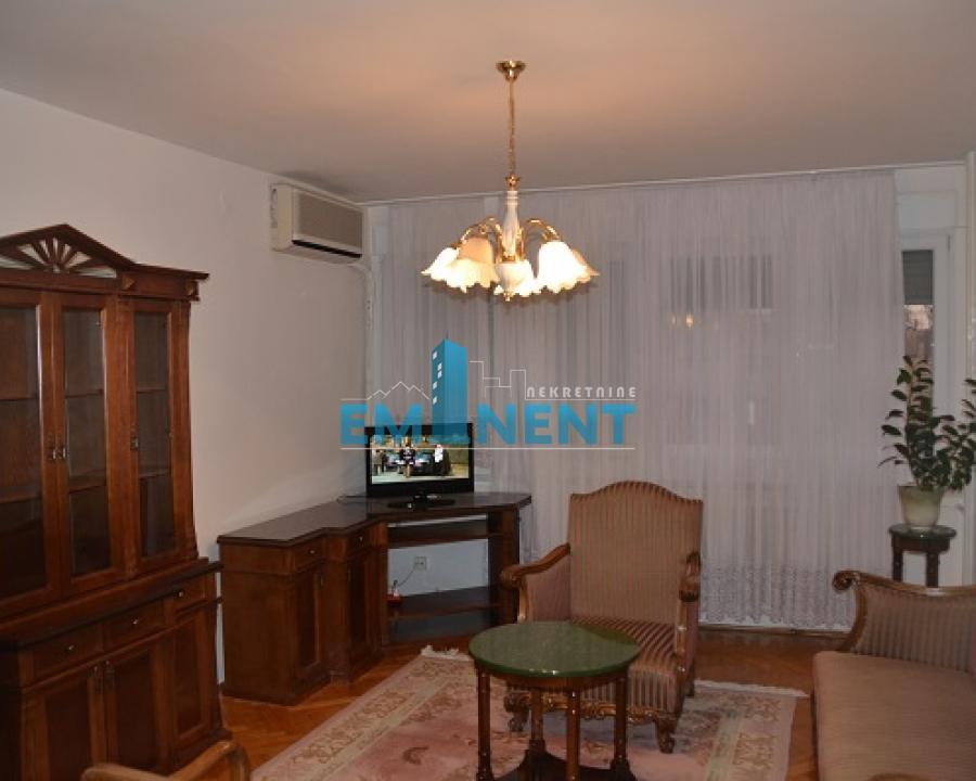 Stan 88m² Novi Bgd hotel Jugoslavija Aleksinačkih Rudara