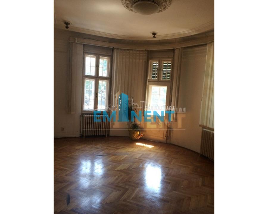 Stan 90m² Gundulićev Venac Vojvode Dobrnjca