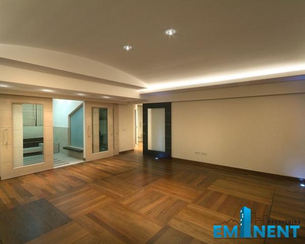 Stan 300m² Centar gornji Dorćol Dositejeva