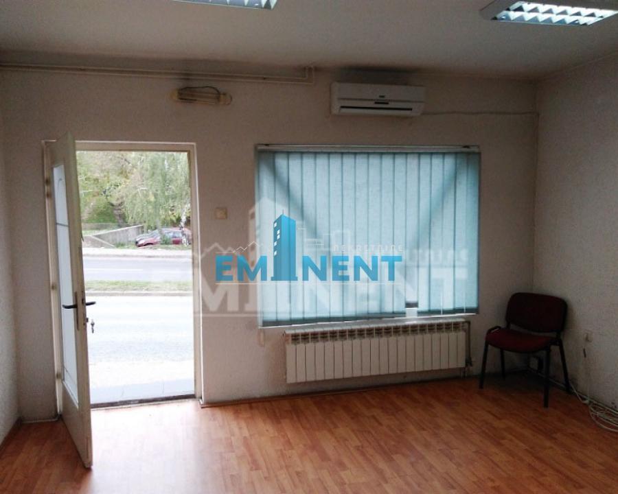 Poslovni prostor 32m² Braće Jerković Voronješka