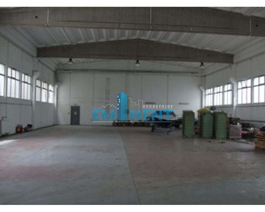 Poslovni prostor 800m² Galenika