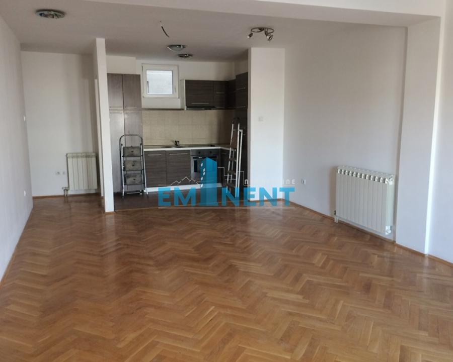 Stan , Beograd (grad) , Izdavanje | Stan 84M² Lion Đevđelijska