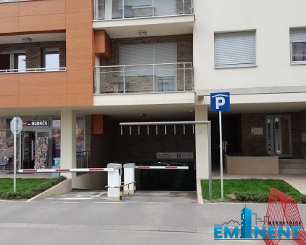 Poslovni prostor 24m² Novi Bgd a Blok Uroša Martinovića