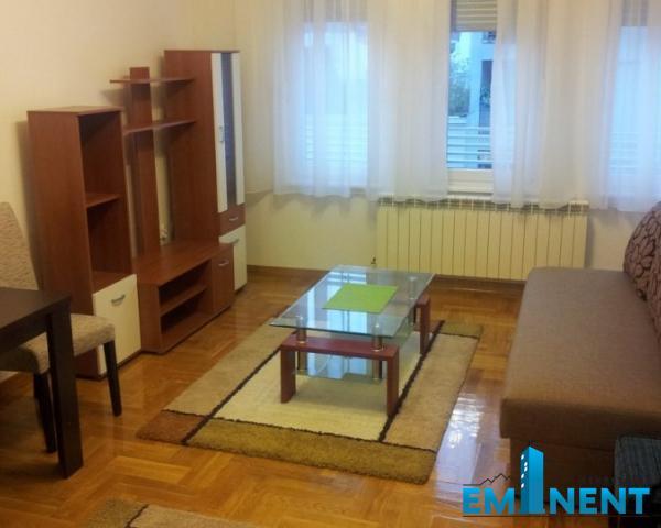 Stan 28m² Centar tašmajdan Ivankovačka