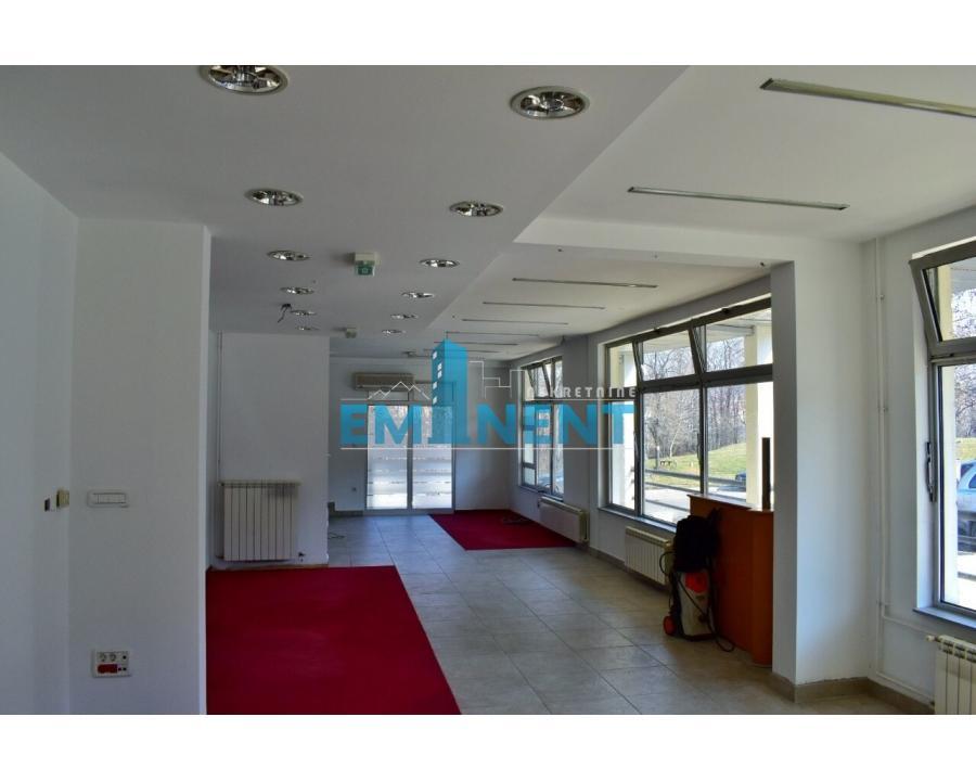 Poslovni prostor 160m² Medaković