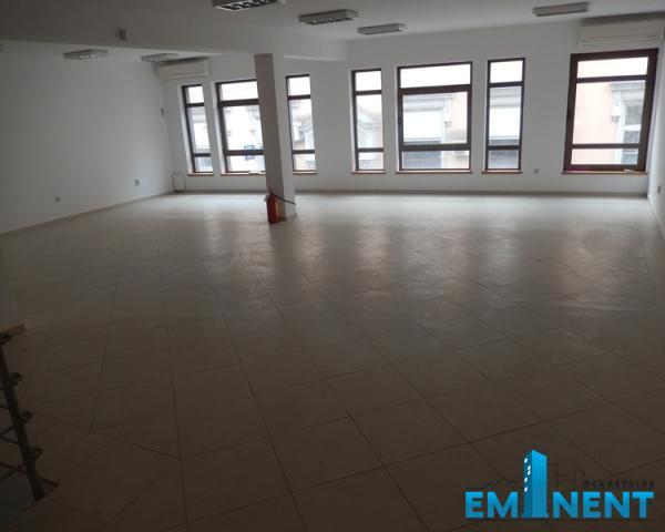 Poslovni prostor 146m² Zemun centar Bežanijska