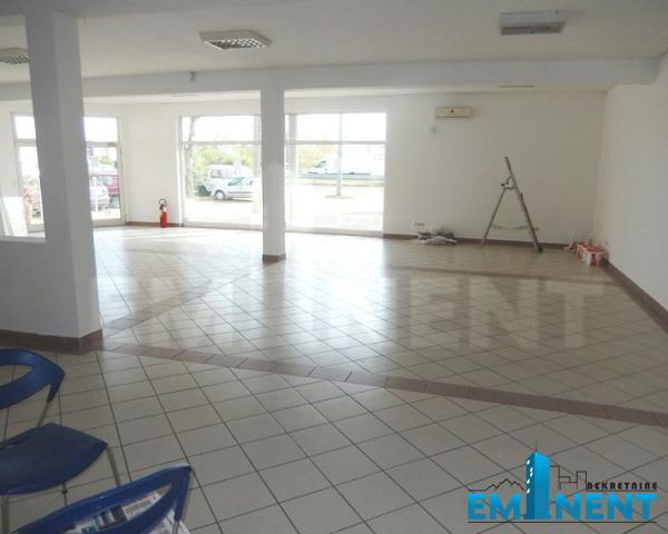 Poslovni prostor 320m² Altina Novi Novosadski Put